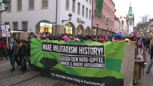 Make Militarism History - Gegen den Nato-Gipfel
